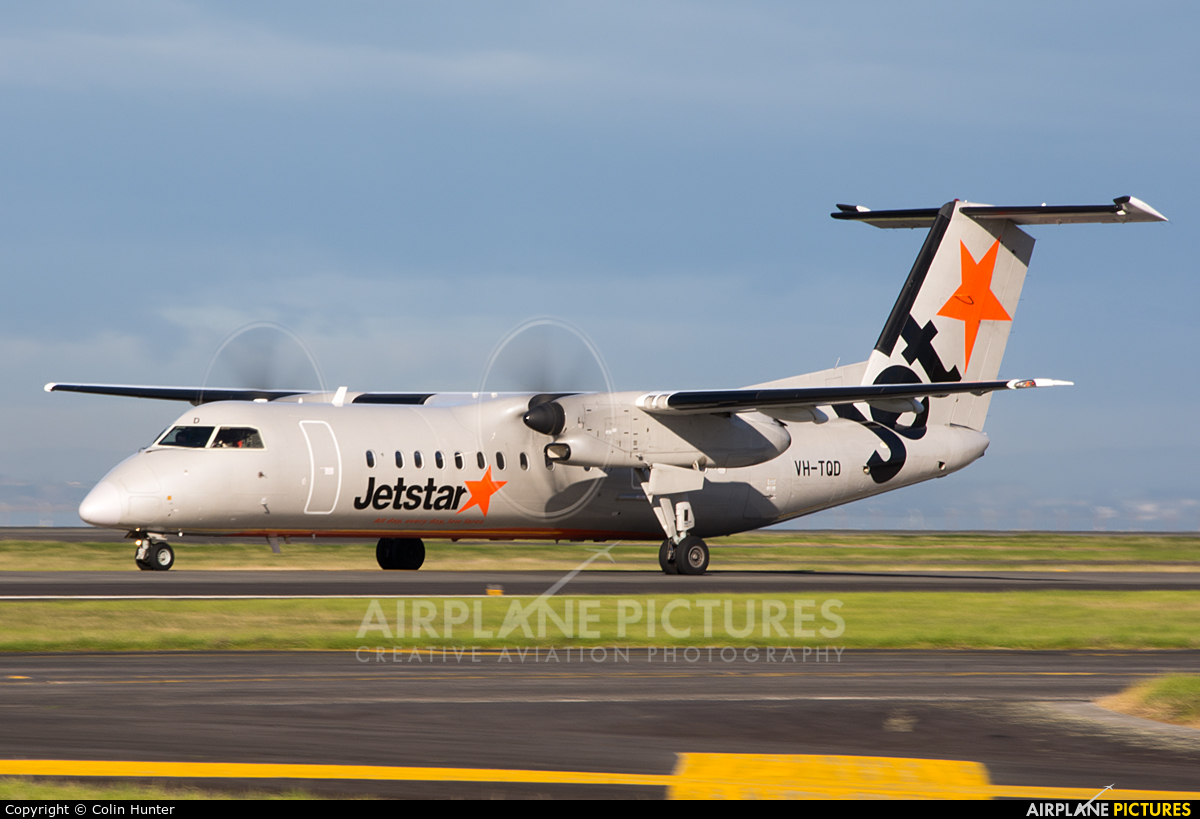 Jetstar Airways VH-TQD aircraft at Auckland Intl