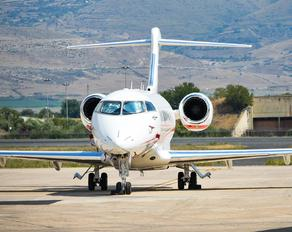 LX-ALX - Luxaviation Bombardier BD-100 Challenger 350 series