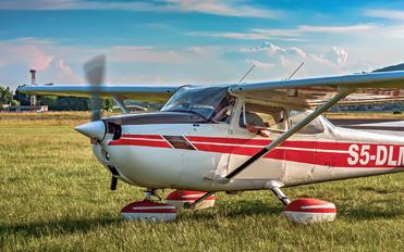 S5-DLM - Letalski Center Maribor Cessna 172 Skyhawk (all models except RG)