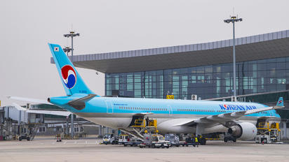 HL8002 - Korean Air Airbus A330-300