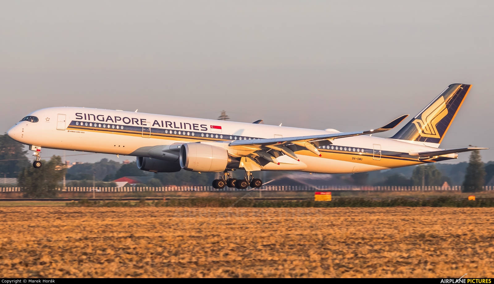 Singapore Airlines 9V-SMU aircraft at Amsterdam - Schiphol