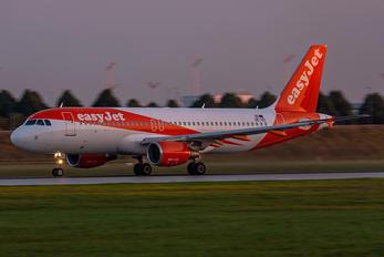 OE-IZC - easyJet Europe Airbus A320