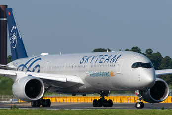 VN-A897 - Vietnam Airlines Airbus A350-900
