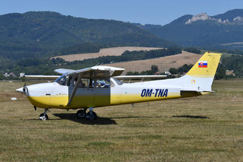 OM-TNA - Aeroklub Trenčín Cessna 172 Skyhawk (all models except RG)