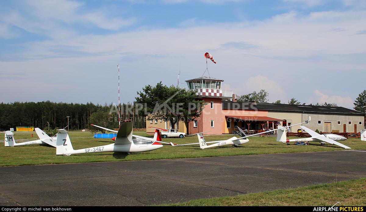 - Airport Overview  aircraft at Opole / Polska Nowa Wieś