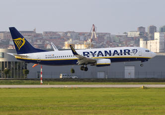 EI-GJR - Ryanair Boeing 737-8AS