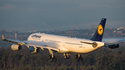 D-AIGZ - Lufthansa Airbus A340-300