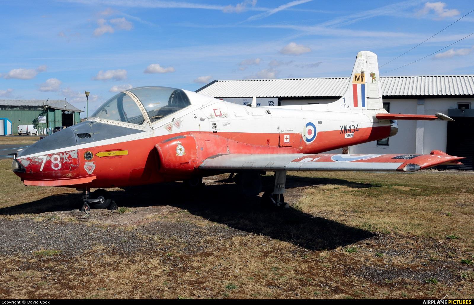 Royal Air Force XW434 aircraft at Wolverhampton - Halfpenny Green