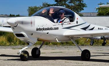 OM-KLS - Seagle Air Diamond DA 20 Katana