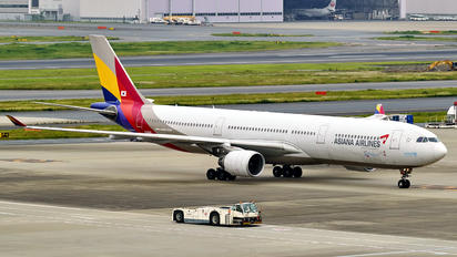 HL8286 - Asiana Airlines Airbus A330-300