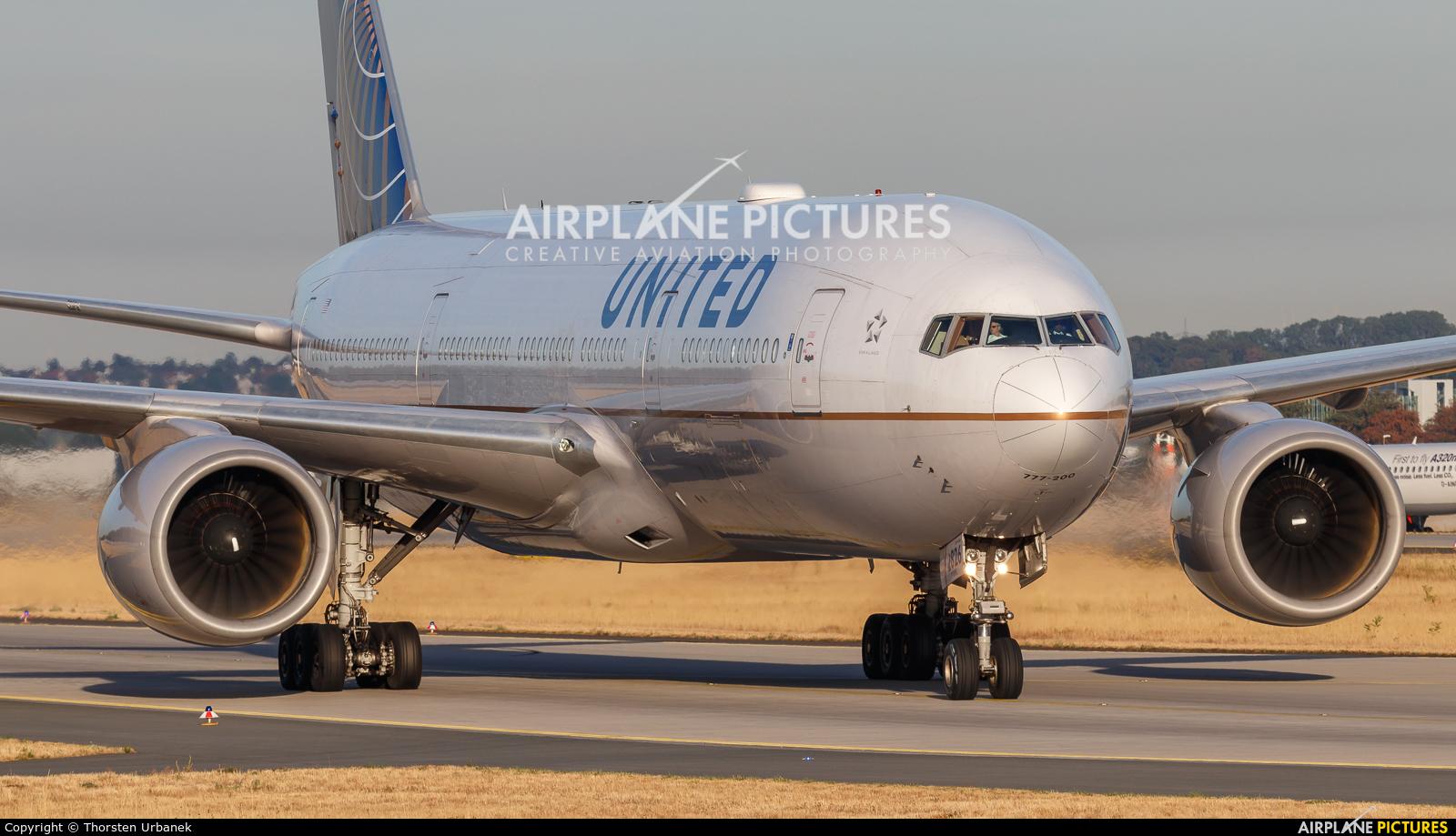 United Airlines N226UA aircraft at Frankfurt
