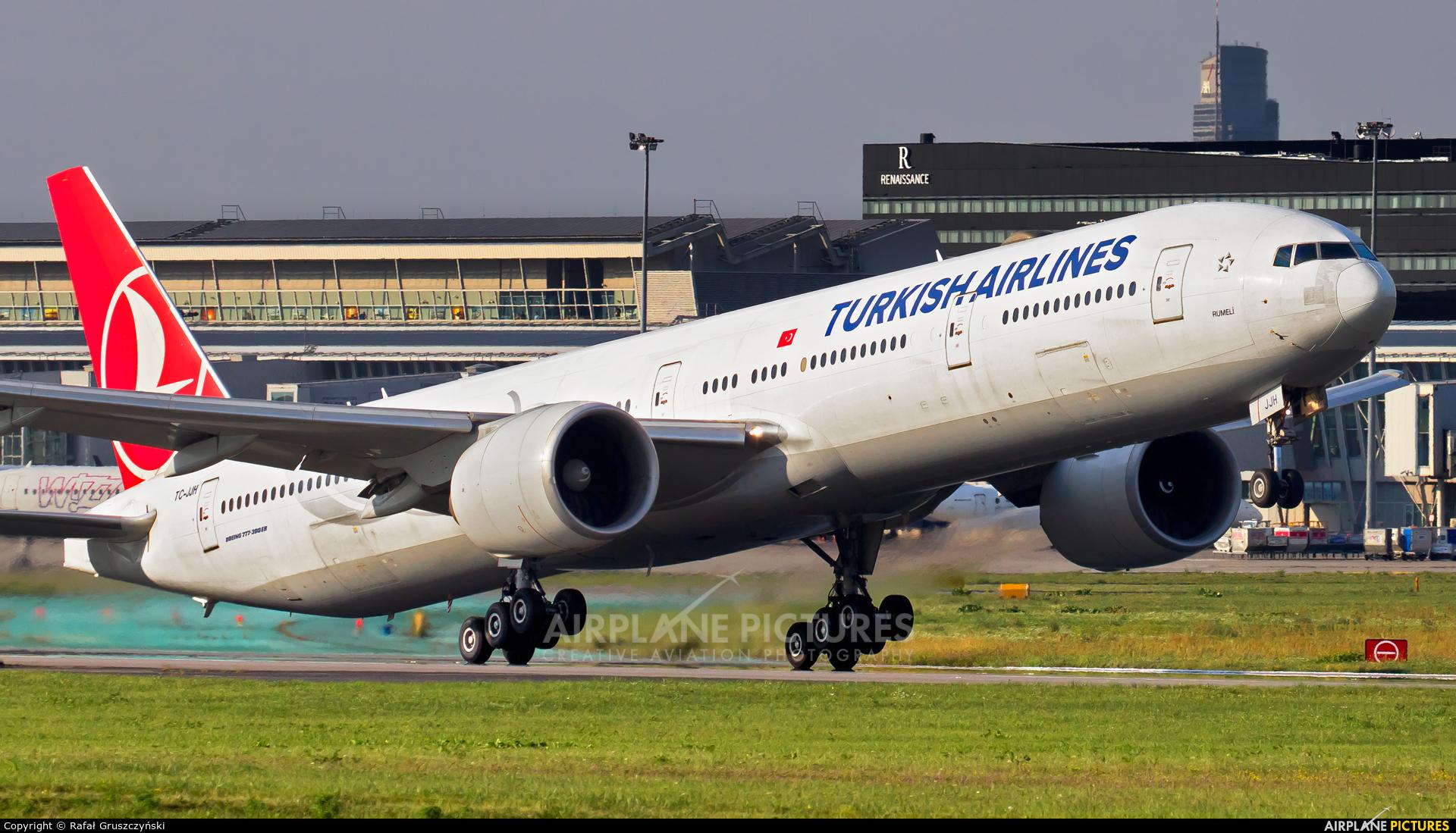 Turkish Airlines TC-JJH aircraft at Warsaw - Frederic Chopin