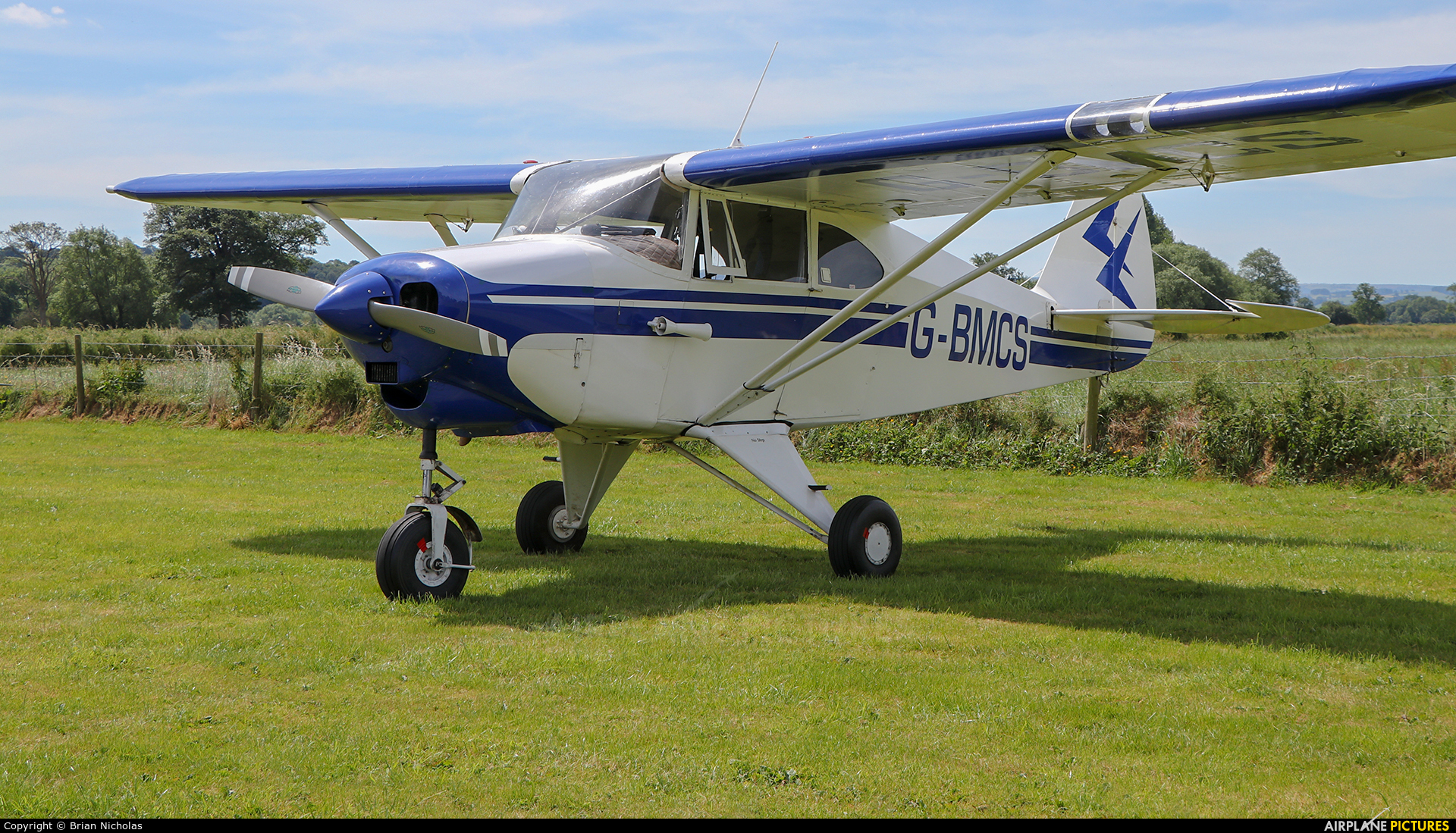 Private G-BMCS aircraft at Welshpool
