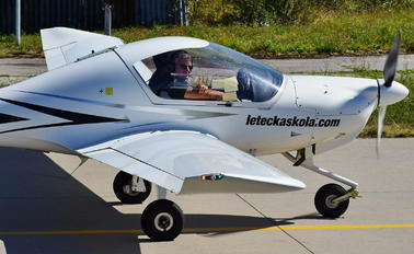 OM-HLK - Seagle Air Diamond DA 20 Katana