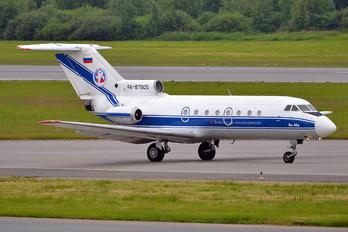 RA-87905 - Vologda Air Enterprise Yakovlev Yak-40