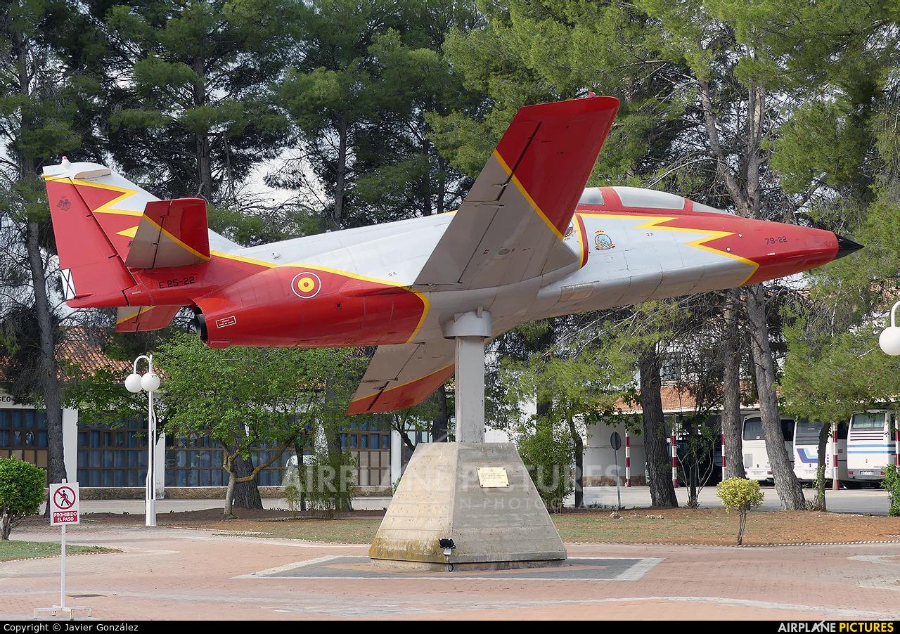 Spain - Air Force : Patrulla Aguila E.25-22 aircraft at Albacete