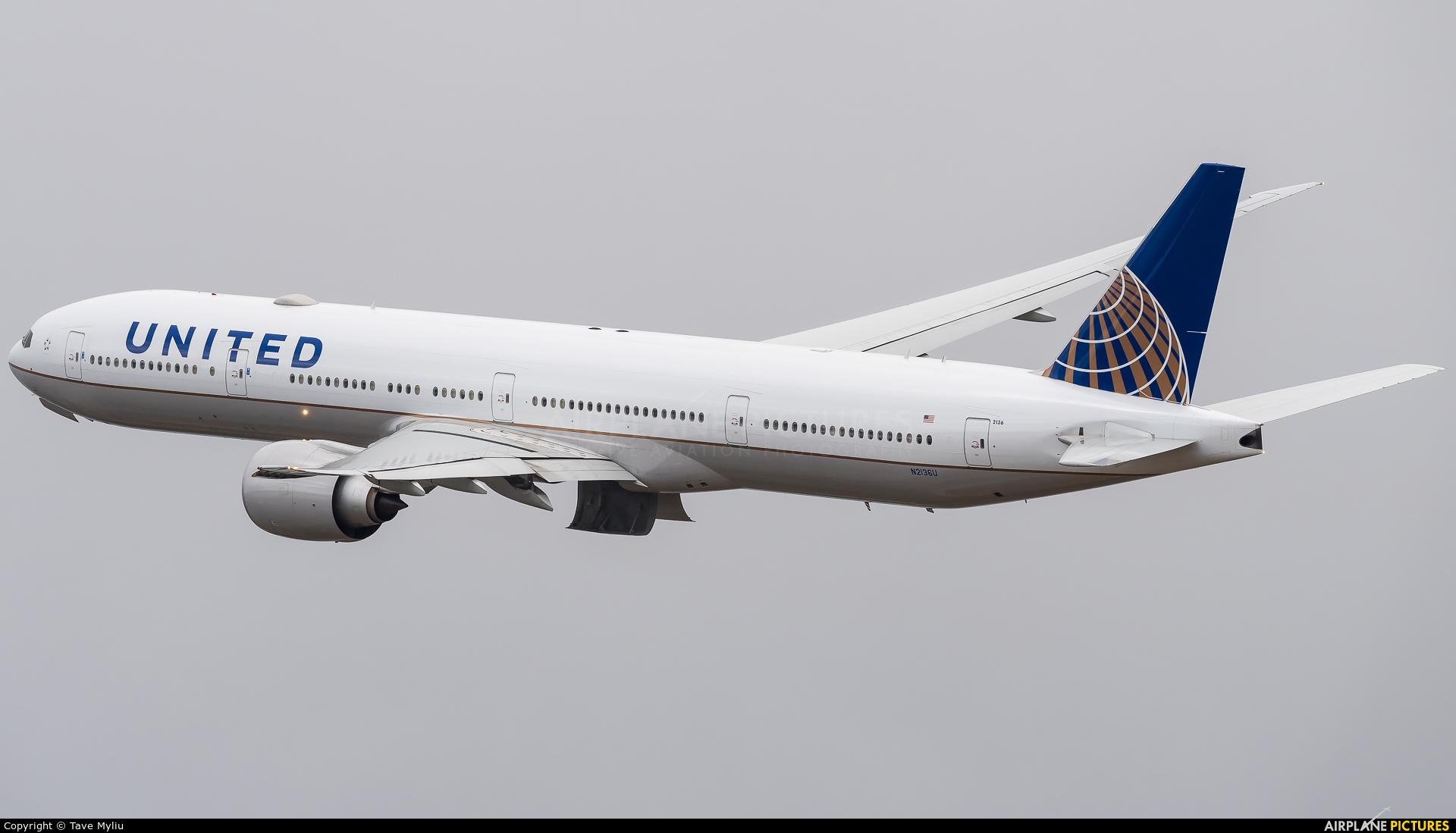 United Airlines N2136U aircraft at London - Heathrow