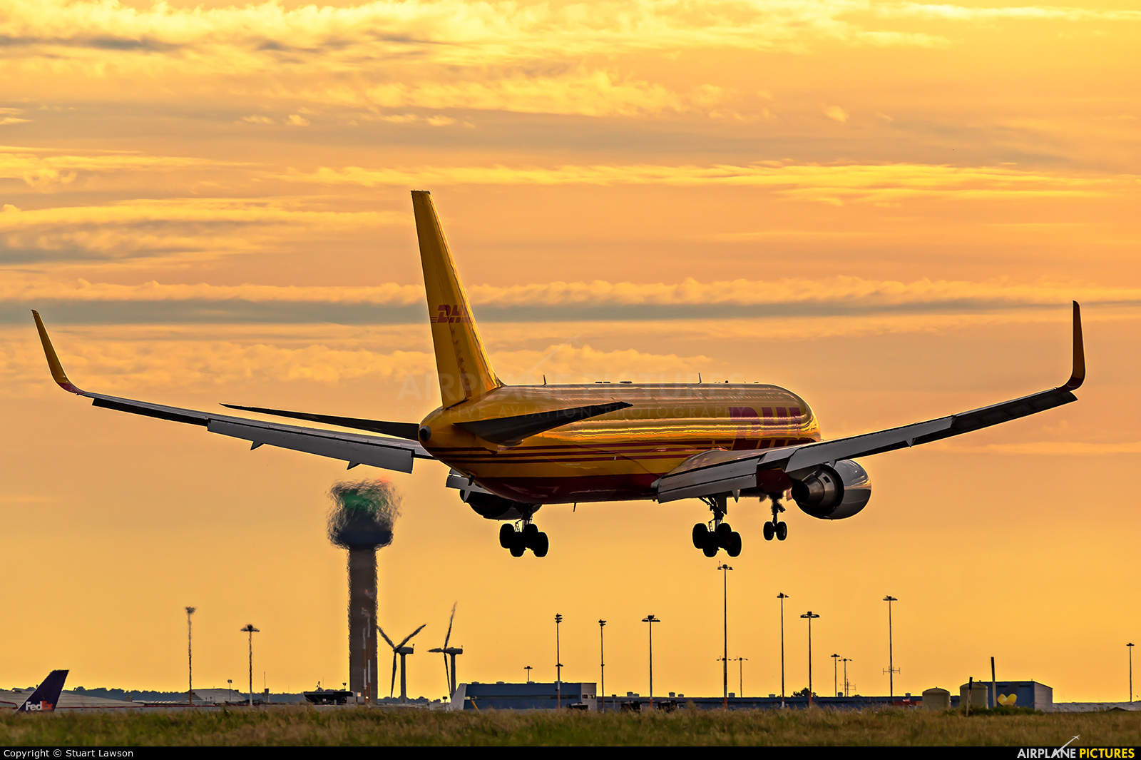 DHL Cargo G-DHLE aircraft at East Midlands