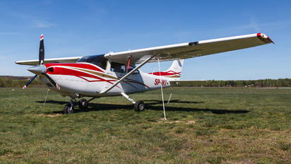 SP-IKI - Private Cessna 182T Skylane