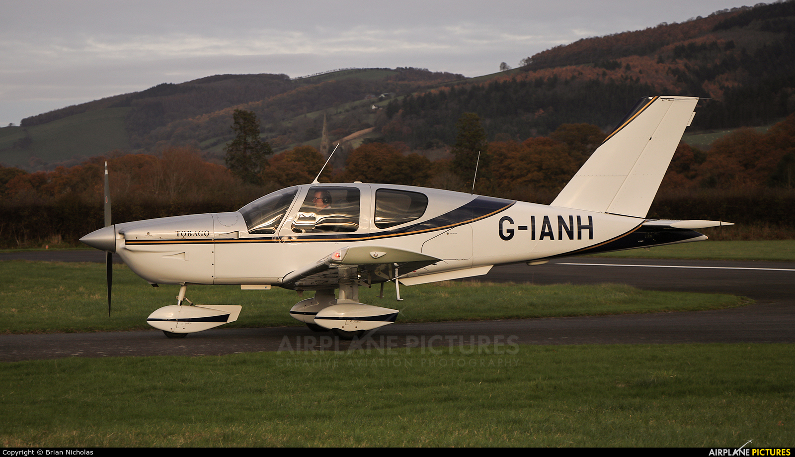 Private G-IANH aircraft at Welshpool