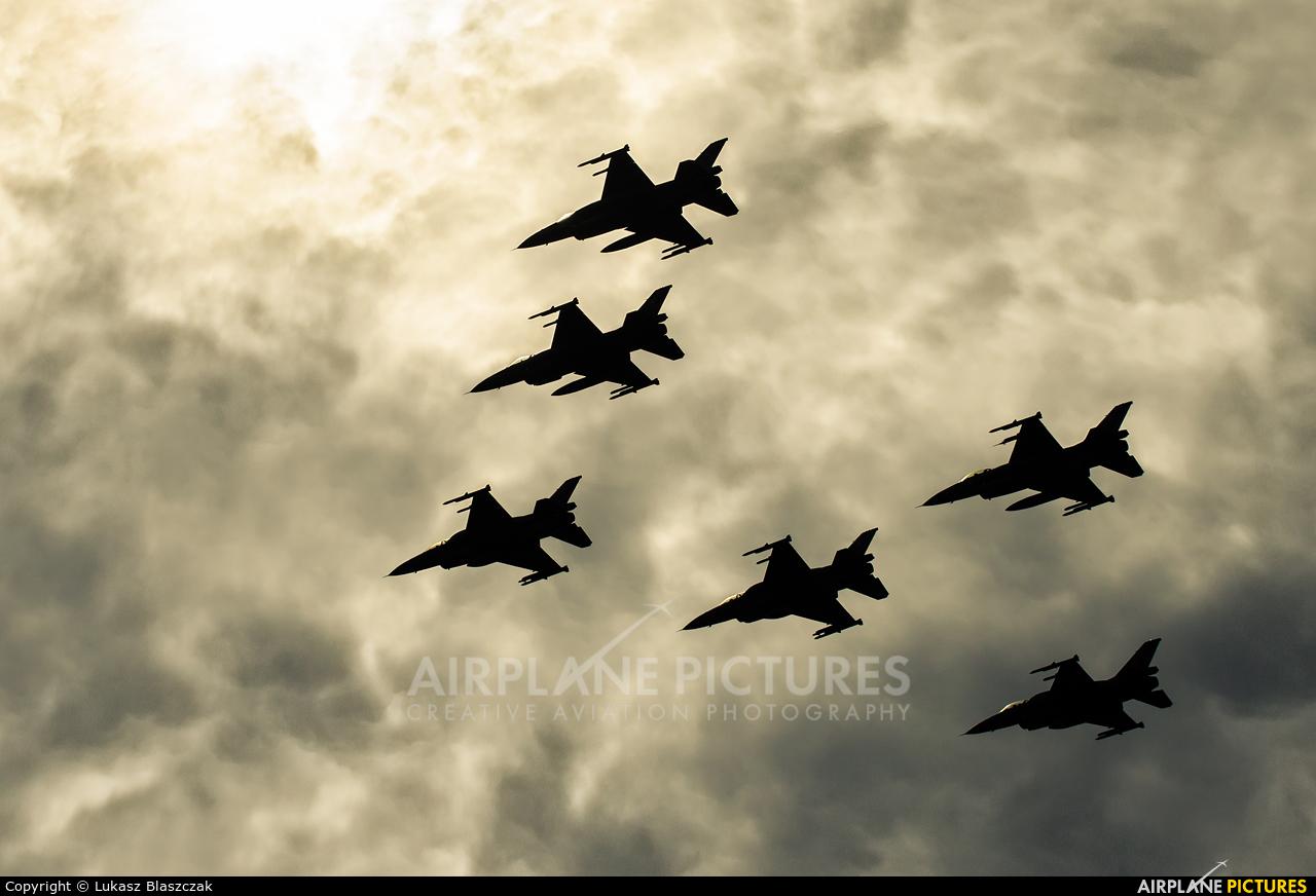 Poland - Air Force 4055 aircraft at Warsaw - Off Airport