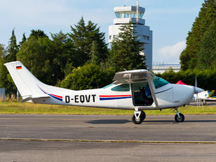 D-EQVT - Private Cessna 172 Skyhawk (all models except RG)