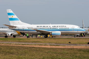 T-04 - Argentina - Government Boeing 737-500