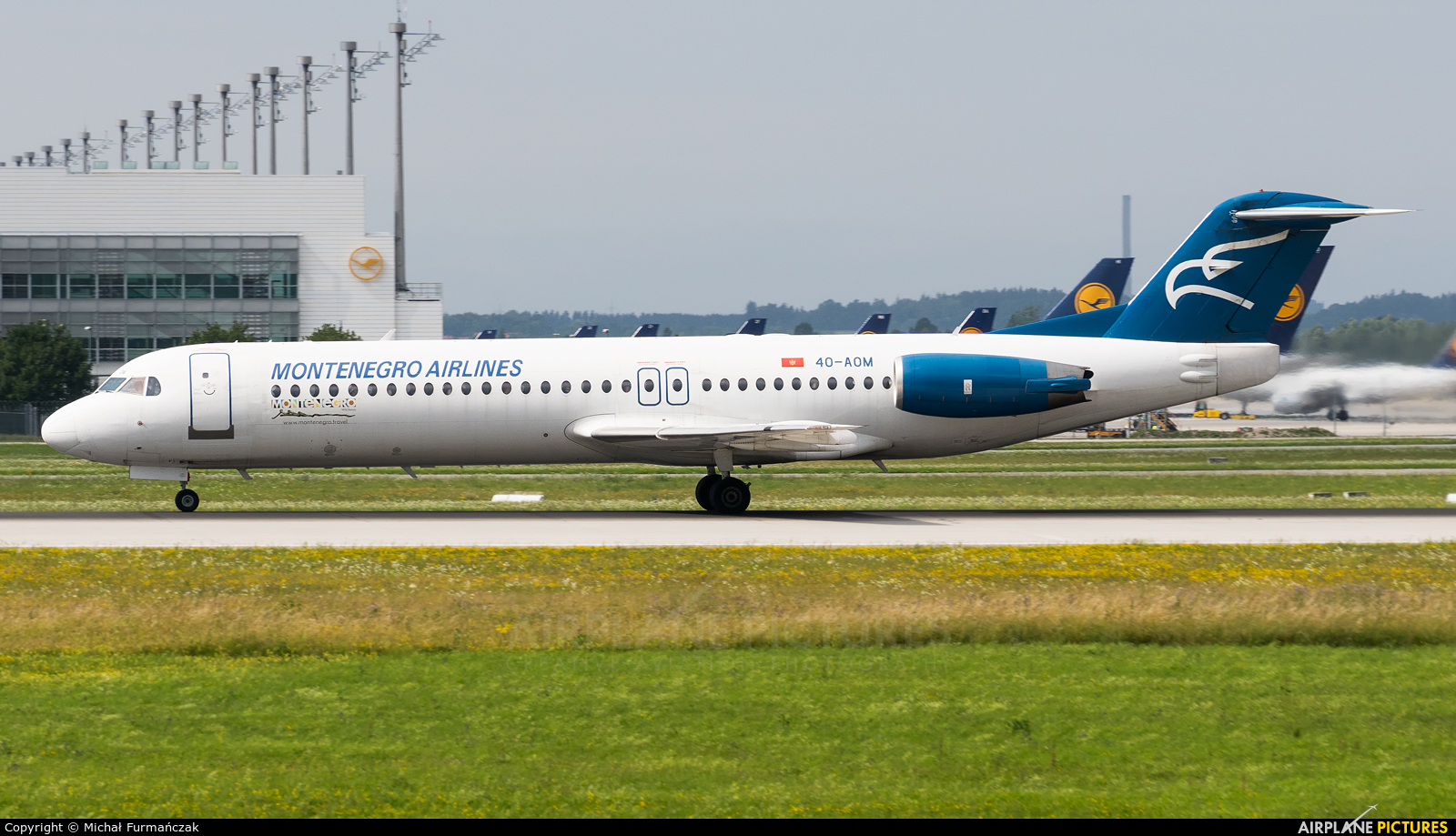 Montenegro Airlines 4O-AOM aircraft at Munich
