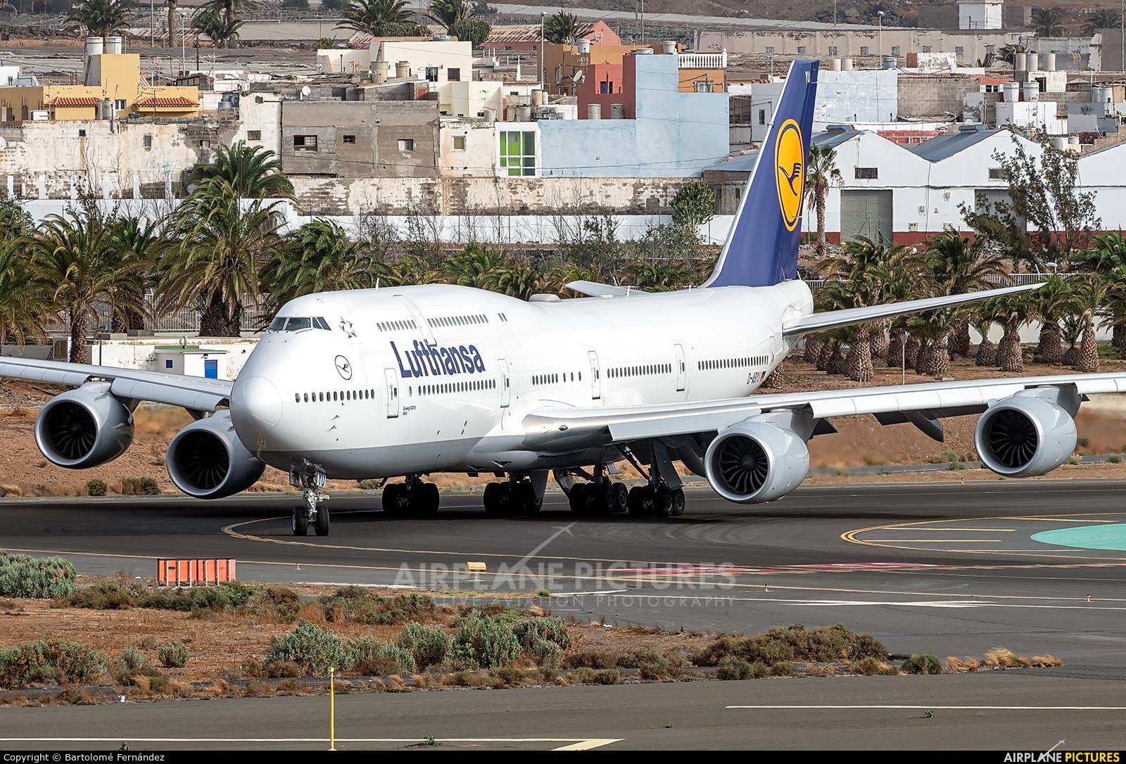 Lufthansa D-ABYU aircraft at Aeropuerto de Gran Canaria