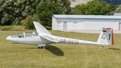 OM-6519 - Aeroklub Prievidza Orličan VSO-10 Gradient