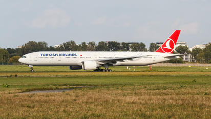 TC-JJH - Turkish Airlines Boeing 777-300ER