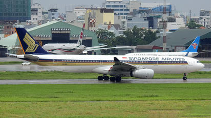 9V-SSA - Singapore Airlines Airbus A330-300