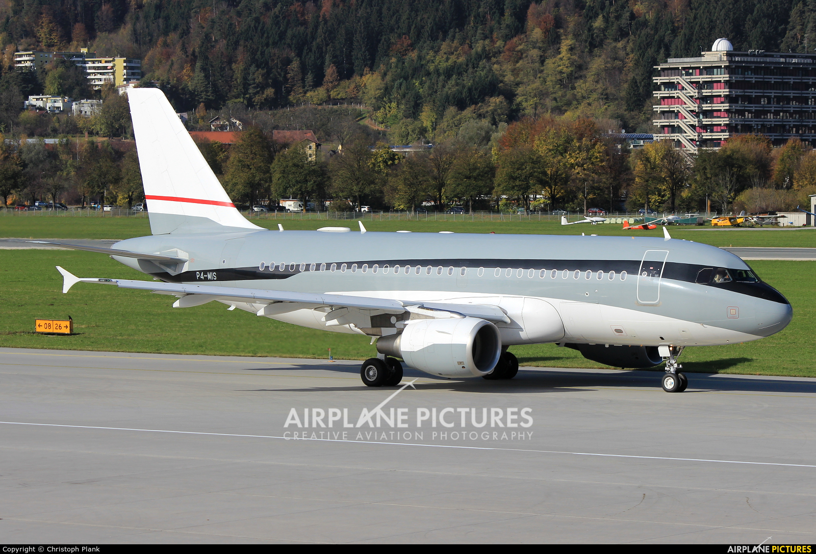 Global Jet Luxembourg P4-MIS aircraft at Innsbruck