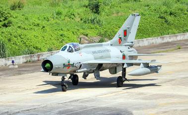 1427 - Bangladesh - Air Force Chengdu F-7BG