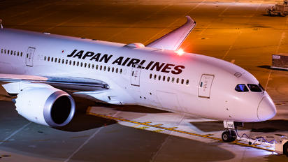 JA836J - JAL - Japan Airlines Boeing 787-8 Dreamliner