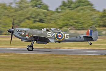 "TE311 - Royal Air Force ""Battle of Britain Memorial Flight&quot Supermarine Spitfire"