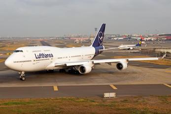 D-ABVM - Lufthansa Boeing 747-400