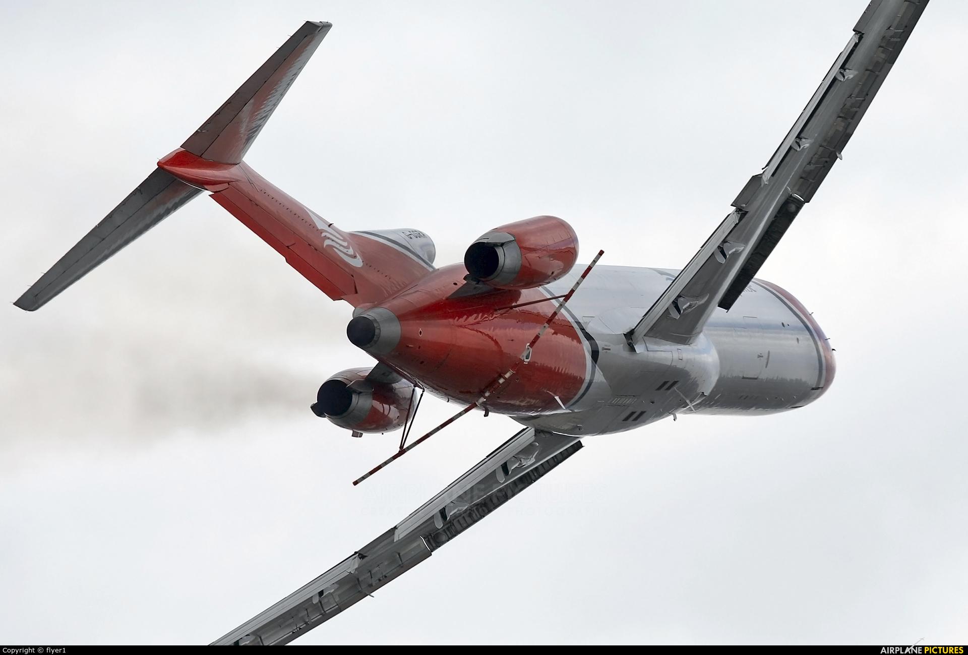 T2 Aviation G-OSRA aircraft at Farnborough