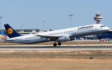 D-AISH - Lufthansa Airbus A321