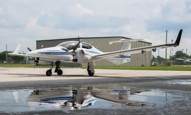C-GCEF - Private Diamond DA42