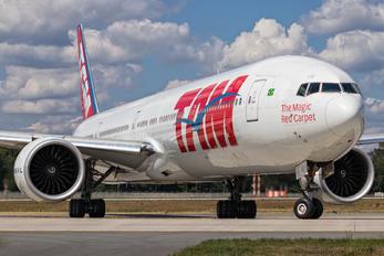 PR-MUE - TAM Boeing 777-300ER