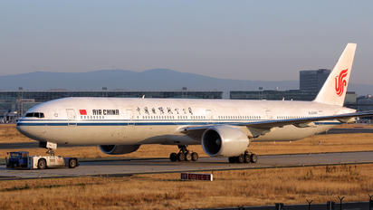 B-2046 - Air China Boeing 777-300ER
