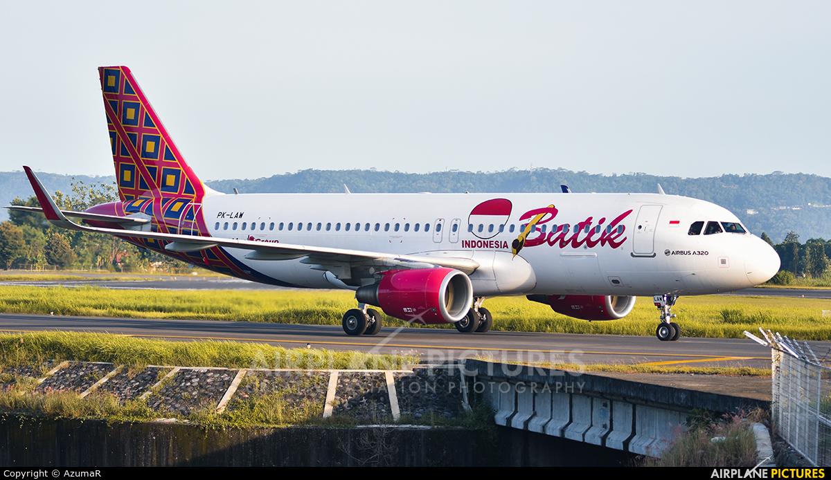 Batik Air PK-LAW aircraft at Adisucipto Intl