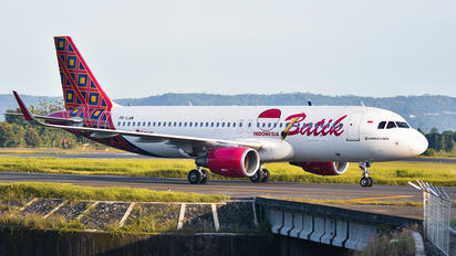 PK-LAW - Batik Air Airbus A320