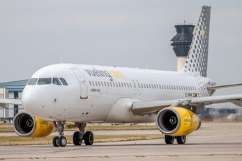 EC-MVM - Vueling Airlines Airbus A320