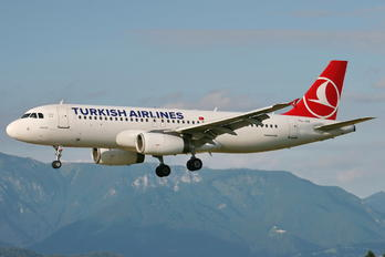 TC-JUF - Turkish Airlines Airbus A320