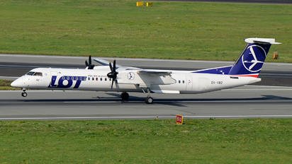 OY-YBZ - LOT - Polish Airlines de Havilland Canada DHC-8-400Q / Bombardier Q400