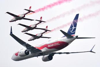 SP-LVD - LOT - Polish Airlines - Aviation Glamour - Flight Attendant
