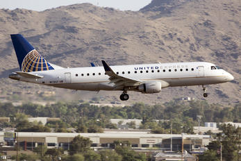 N113SY - United Express Embraer ERJ-175 (170-200)