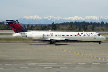 N981AT - Delta Air Lines Boeing 717